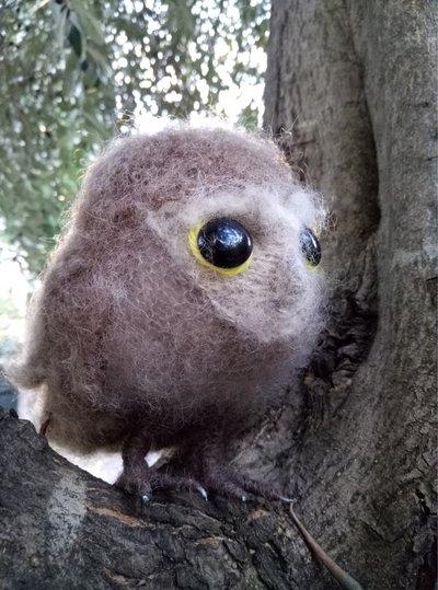 Cucciolo di gufo realizzato a maglia in pura alpaca e seta.imbottitura in kapok.Morbidissimooo!