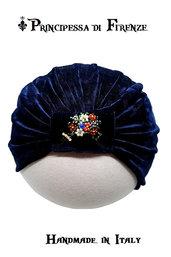 Turbante elegante di Velluto Blu ricamato a mano