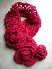 Scaldacollo donna ragazza uncinetto rosso con fiori sciarpa corta donna romantica elegante sciarpa anello