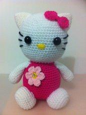 Hello Kitty (pupazzo amigurumi)