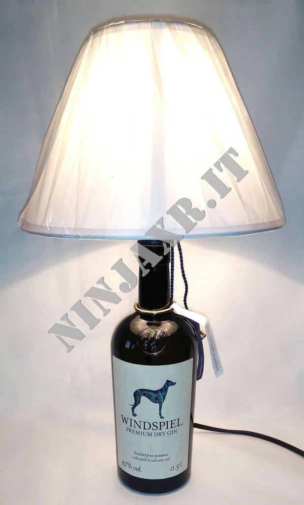 Lampada arredo da tavolo bottiglia vuota Gin Windspiel idea regalo abat jour riciclo creativo