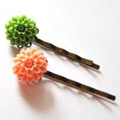 Couple of Flower Bobby Pins