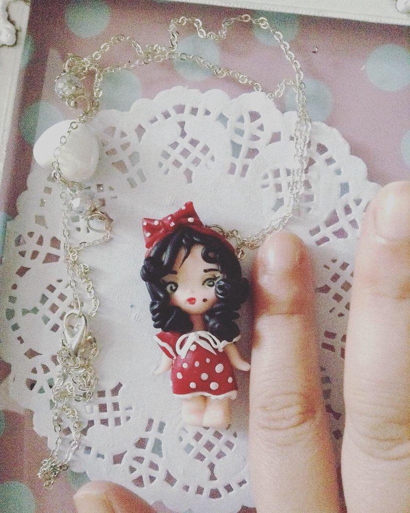 Ciondolo doll in fimo