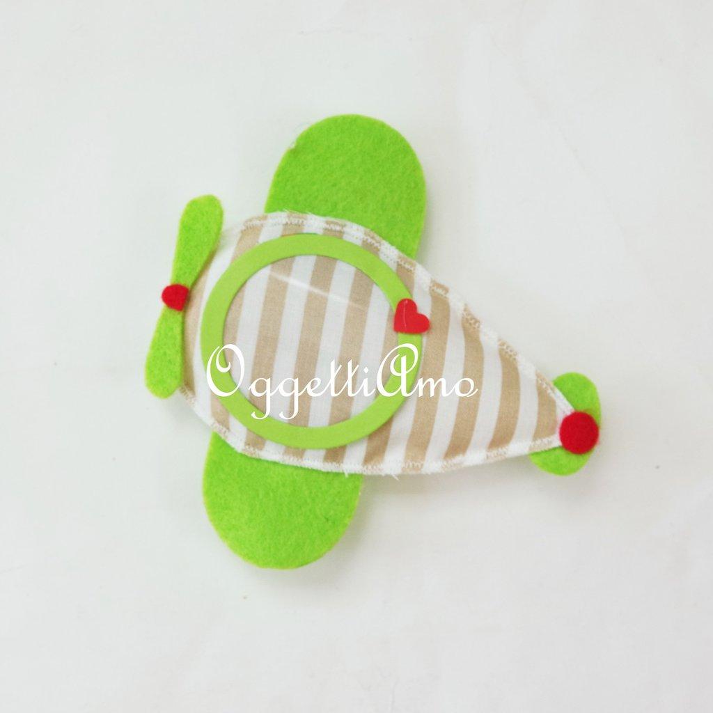 Aeroplanino in feltro e cotone per bomboniere che porteranno il vostro piccolo tra le nuvole!