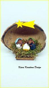 Presepe di cani bassotti in fimo nella noce di cocco, presepe in miniature come idea regalo natale per amanti dei cani