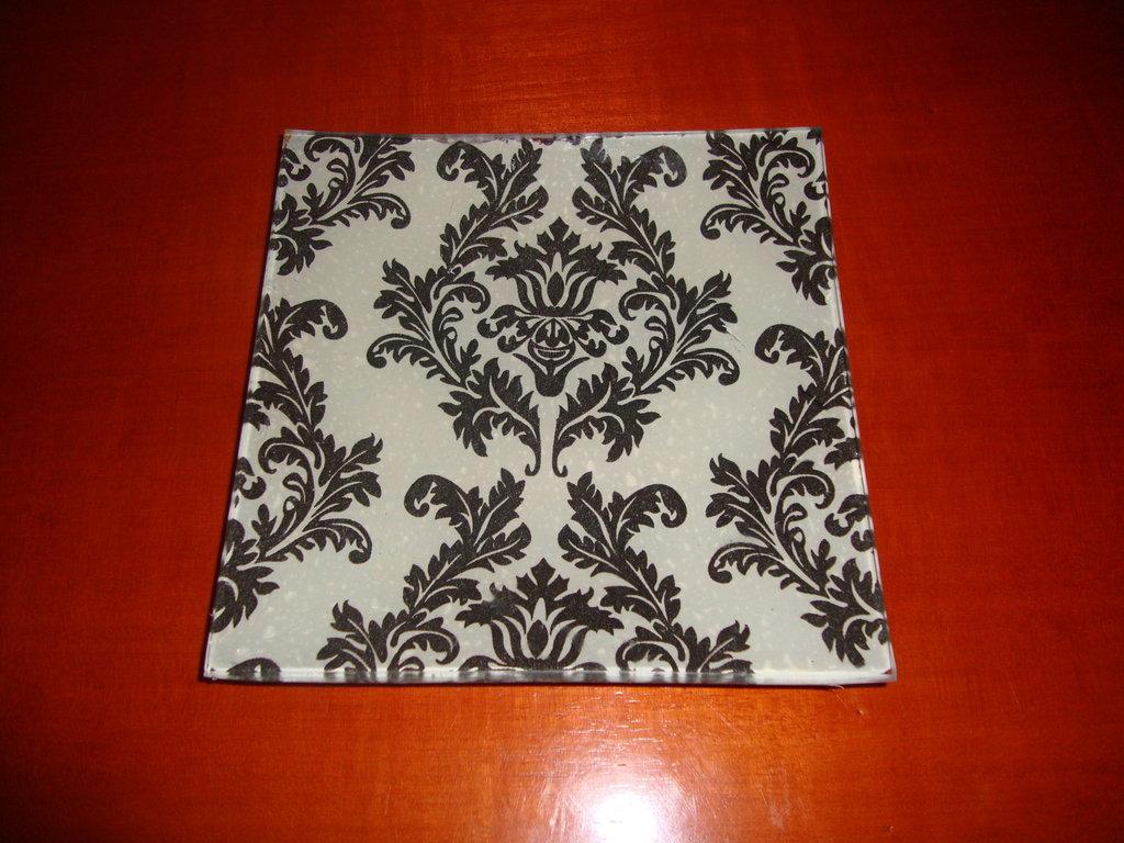 Plato blanco y negro