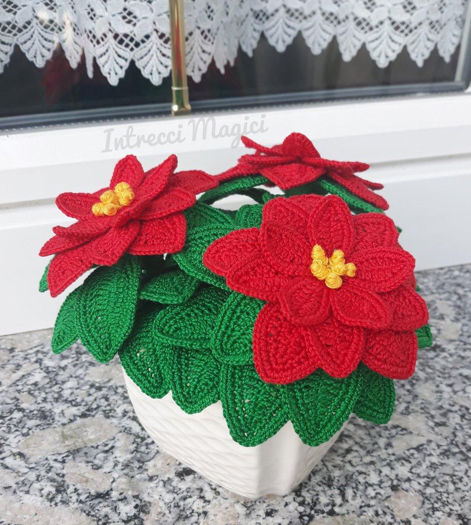 Idee Regalo Per Natale All Uncinetto.Stella Di Natale All Uncinetto Idea Regalo Per Natale