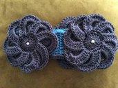 Collare scaldacollo con fiori e foglie in  lana