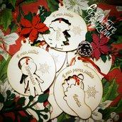 Decorazione natalizia in legno piedino personalizzabile con nome.