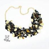 Collana multifilo con paillettes dorate e cristalli - collana uncinetto - collana nero e oro - girocollo uncinetto