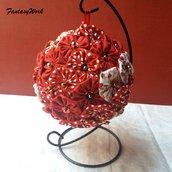 Pomander di yo-yo di tessuto patchwork fantasie di rosso