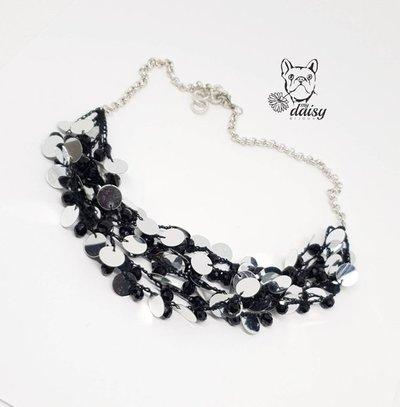 Collana uncinetto - collana multifilo - girocollo uncinetto - collana nero e argento - collana con cristalli e paillettes