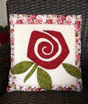 Quillow - cuscino che si trasforma in coperta di pile - Cuscino con rosa bordò