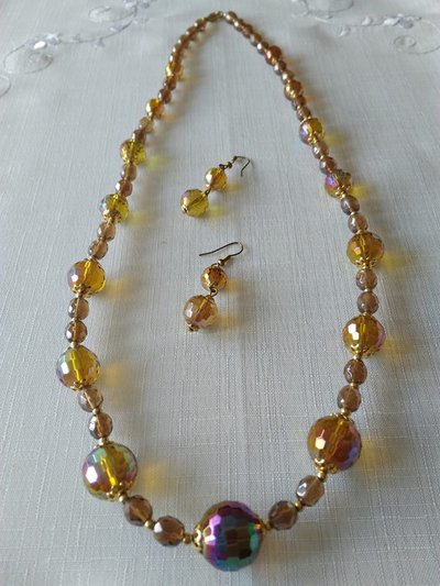 parure collana e orecchini  con  mezzo cristallo