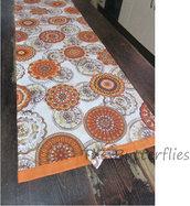 Runner tavola fantasia arancione con fiocco