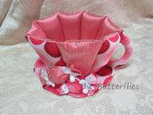 Tazza realizzata in tessuto fantasia rosa, portatutto, cialde, palette, caramelle,.......