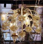 Lampadario, in vetro soffiato di Murano, color oro e trasparente