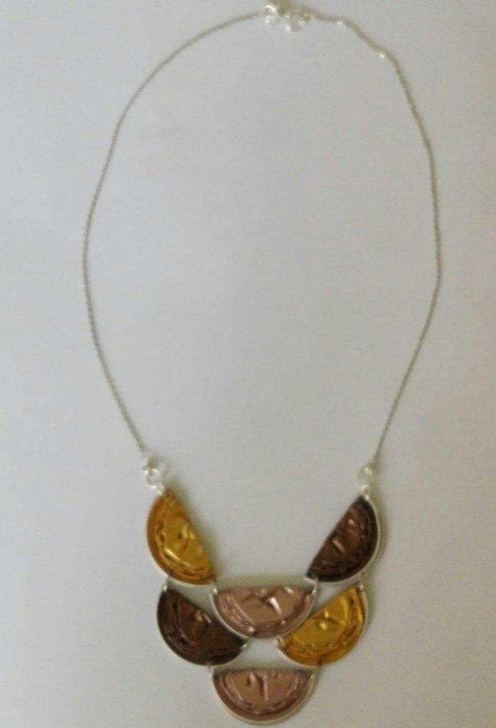 Collana con cialde caffè colore beige, marrone e oro