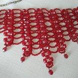 collana  girocollo con  mezzo cristallo rosso