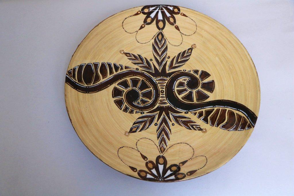 Piatto etnico in legno