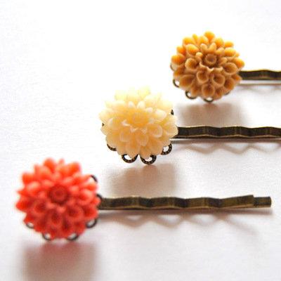 Three Flowers Bobby Pins