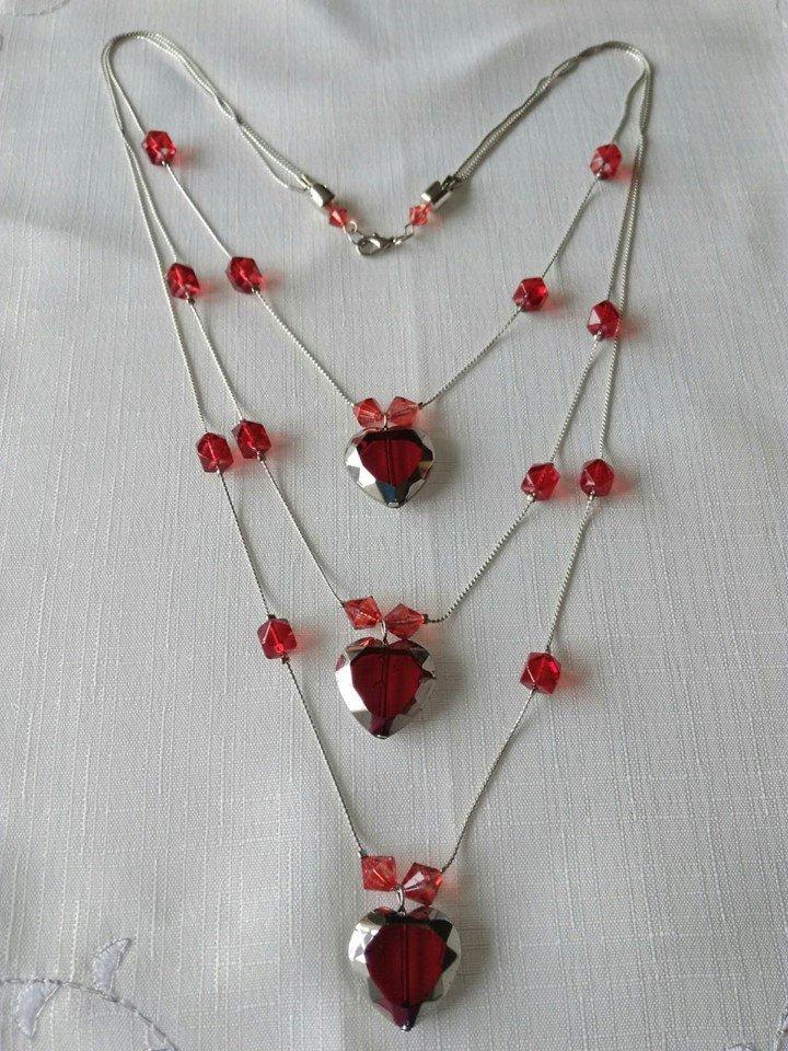collana a 3 giri con catena e perline, cuore rosso