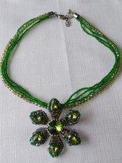 bellissima collana multifili con conteria e mezzo cristallo