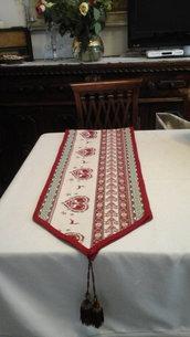 Centro tavolo in tessuto doppio
