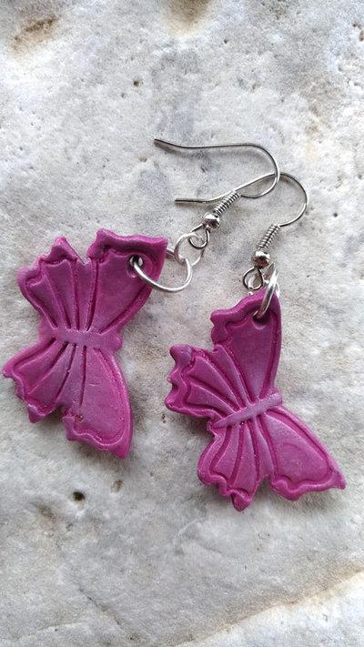 Orecchini in fimo con farfalla