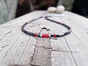Collana artigianale da uomo con pietre di ematite e rubini, e epite in argento massiccio. Fatto a mano con amore.