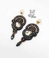 orecchini pendenti soutache nero e oro - gioielli soutache - gioielli cerimonia - orecchini soutache