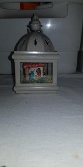 Presepe artigianale in lanterna. Natività