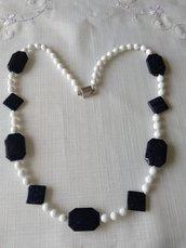 collana lunga con mezzo cristallo bianco e pietre dure pietra della luna blu scuro