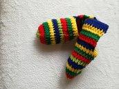 Pantofole uomo personalizzate di lana, babbucce all' uncinetto, scarpe per casa fatte a mano, pantofole arcobaleno