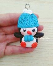 Ciondolo pinguino, addobbi natalizi, addobbi albero Natale, addobbi pinguino, pinguino fimo, miniature Natale, decorazioni Natale
