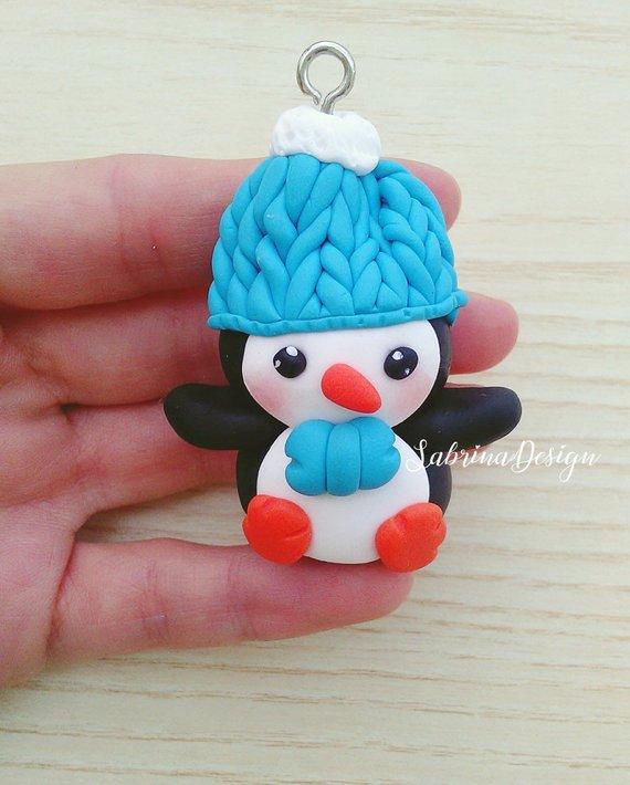 570eb67eed Ciondolo pinguino, addobbi natalizi, addobbi albero Natale, addobbi pinguino,  pinguino fimo,