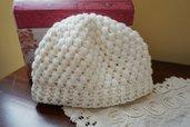 Cappello neonato in lana. Bianco