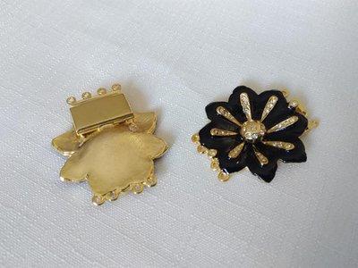 1 x chiusura fermaglio per collana, a 4 fili in metallo dorato strass e smalto nero