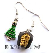 NATALE IN DOLCEZZE - Orecchini panettone al cioccolato e charms a forma di albero smaltato - miniature kawaii handmade