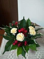Centrotavola Natale con rose gialle