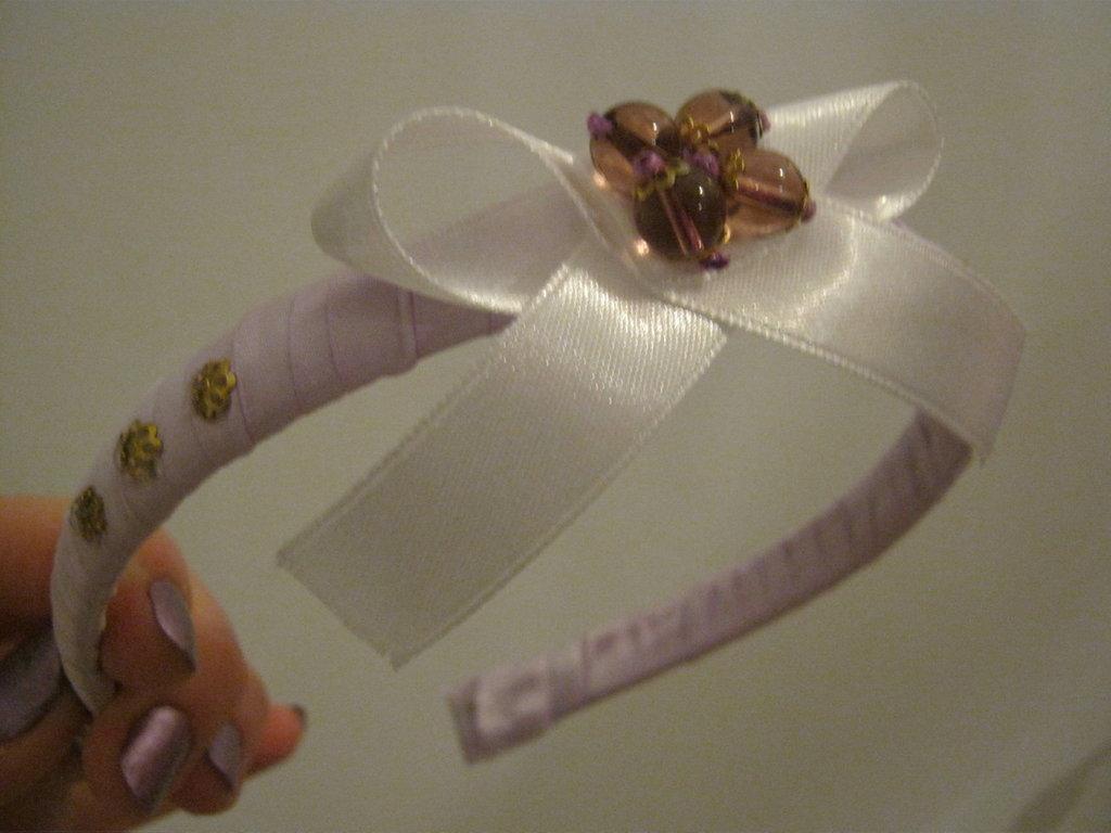 cerchietto lilla con fiocchetto e perle