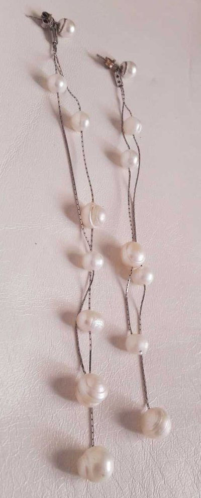 Orecchino lungo perle e argento
