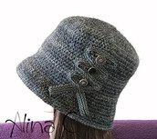 Cappello cloche all'uncinetto con passamaneria e bottoni vintage, donna, ragazza, inverno, pura lana,grigio