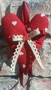Cuore piccolo in tessuto fantasia rosso