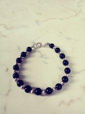 Bracciale nero e silver perle di vetro  e metallo in confezione regalo