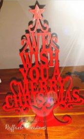 Albero di Natale stilizzato da appoggio con frase incisa con laser su legno compensato