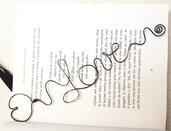 Segnalibro un cuore tra le pagine  fil di ferro nero love