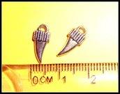 5 ciondoli a forma di cornetto portafortuna