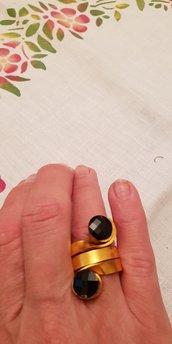 Anello in alluminio piatto lavorato regolabile con cristalli Swarovski