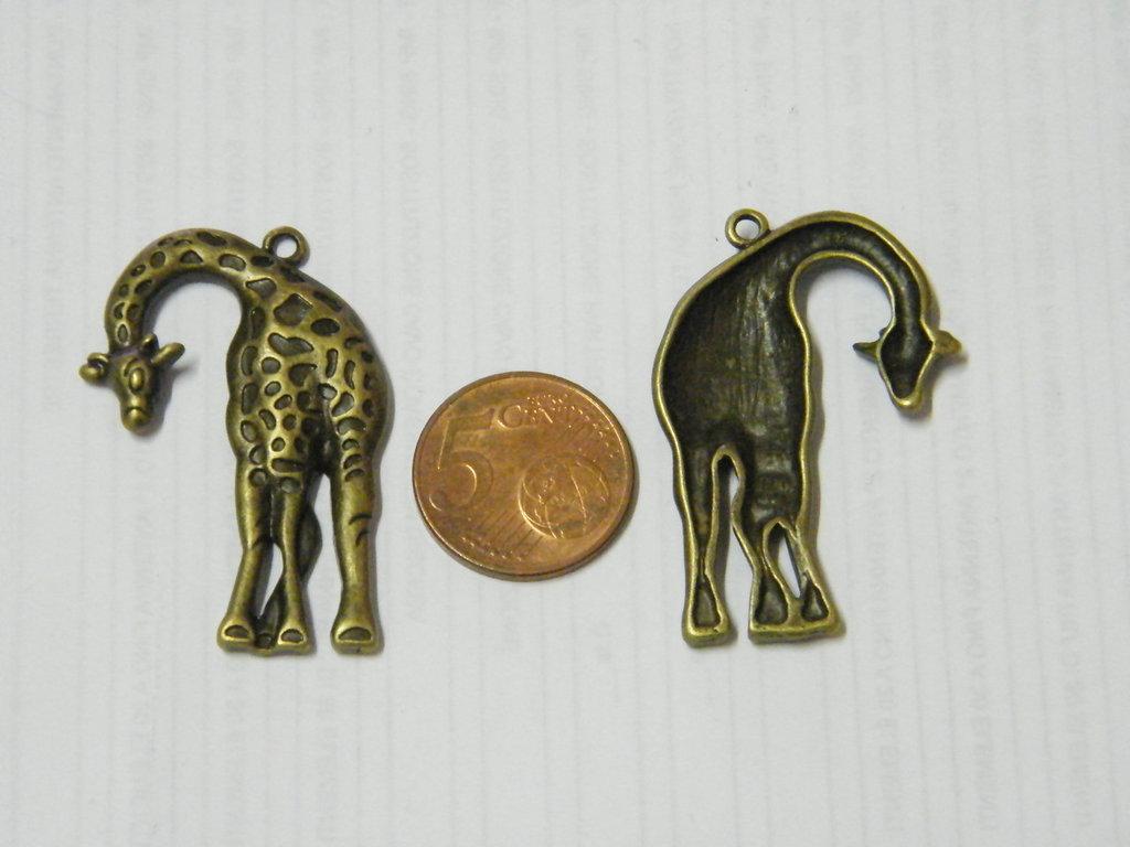 1 charm giraffa oro anticato